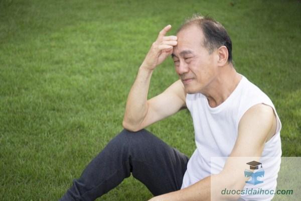 nguyên nhân gây rụng tóc ở nam giới