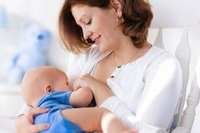 Bú mẹ hoàn toàn và kéo dài có làm giảm nguy cơ suyễn và dị ứng ở trẻ không?